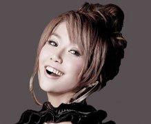 王蓉整容了吗?歌手王蓉坦诚整容,前后照片对比曝光!