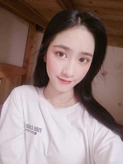七瑾丶染年的全切双眼皮术后60天照