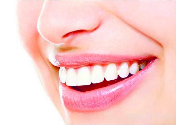 成人门牙突出最快的矫正方法