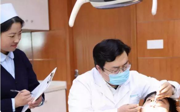 在淘宝上买牙齿矫正器靠谱吗