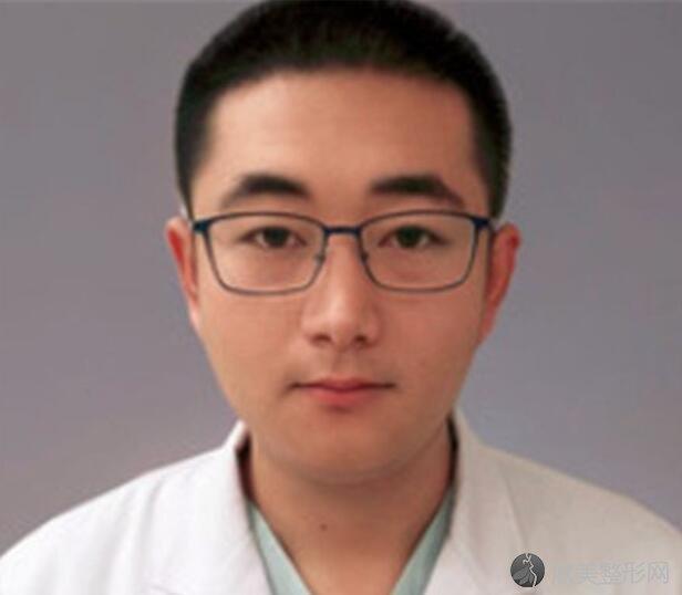 北京柏丽医院的冯振科医生