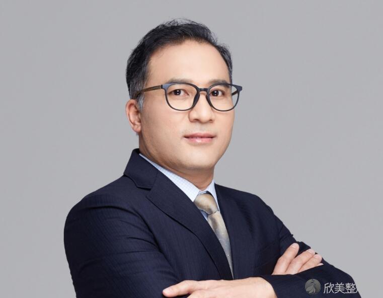 北京艺星的韩兴斌医生
