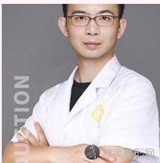 四川华人医联整形美容医院李焰医生