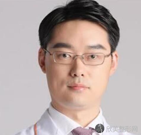 上海华美医疗美容医院徐文龙医生