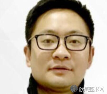 重庆光博士整形陈健医生