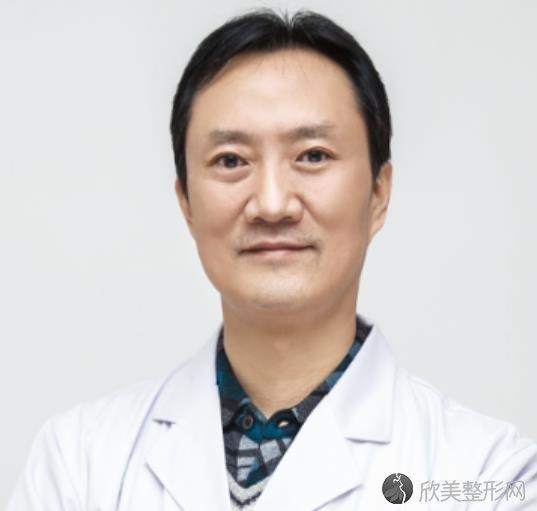 重庆时光整形美容冯辉利医生