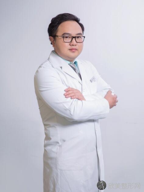 重庆好美医疗美容罗海军医生