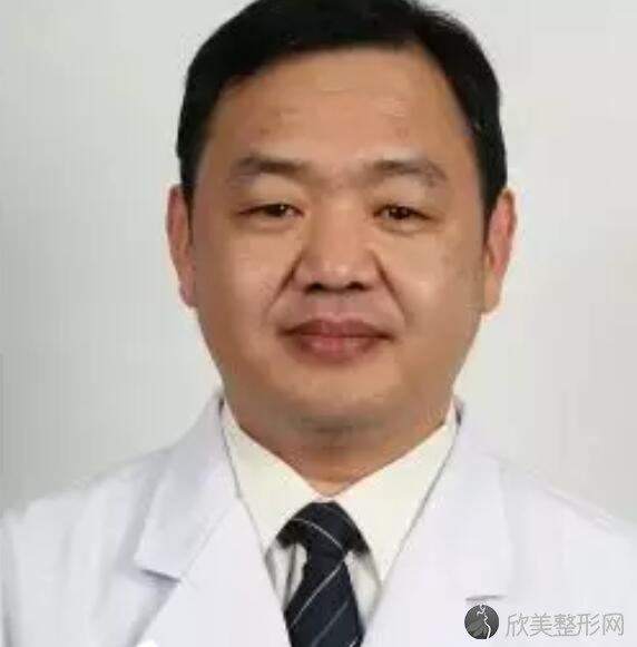 北京八大处整形美容医院侯典举医生