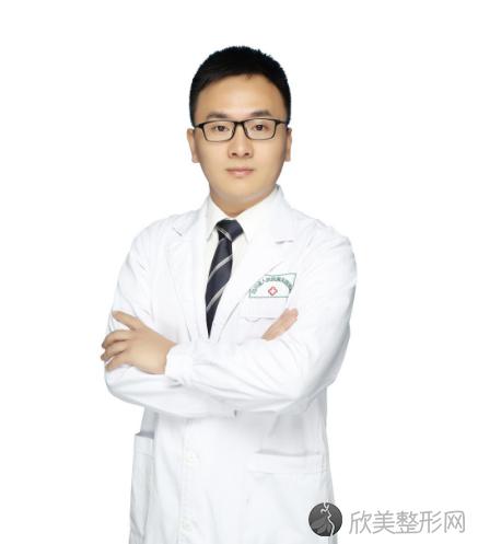 四川友谊美容医院银伟男怎么样?自体脂肪填充案例及价格表一览