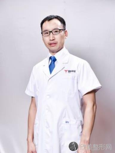 武汉亚韩整形美容医院赵贵庆医生