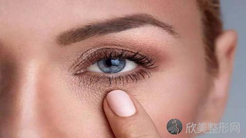 重庆割双眼皮的医生哪个好?重庆割双眼皮手术好的医生排名推荐及案例