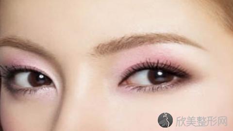 武汉哪个医生做眼袋手术好?武汉内切去眼袋手术医生排名推荐及案例