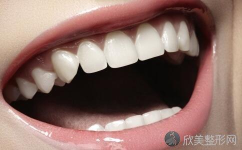 定期洗牙,老人护牙的六种方法!