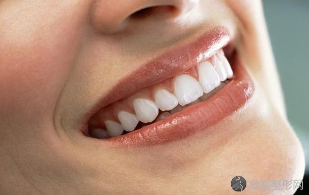 牙周病不能拖!牙齿出现5个状况,好好检查一下口腔!