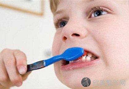 该怎么预防和治疗蛀牙?